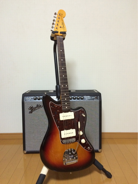 This image has an empty alt attribute; its file name is jazzmaster.jpg